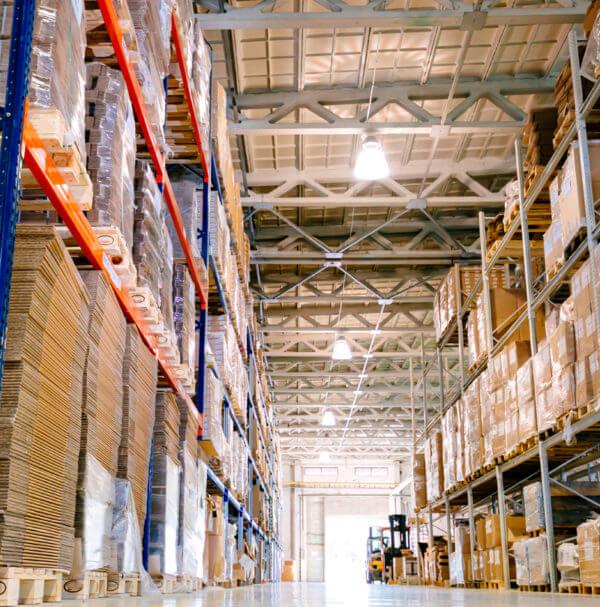 As empresas que atuam com comércio exterior possuem peculiaridades que demandam conhecimentos contábeis específicos